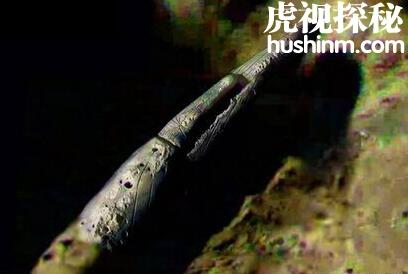 <a href=http://www.hushitm.com/ufots/ target=_blank class=infotextkey>UFO探索</a>:月球陨坑中发现长达4000米宇宙飞船