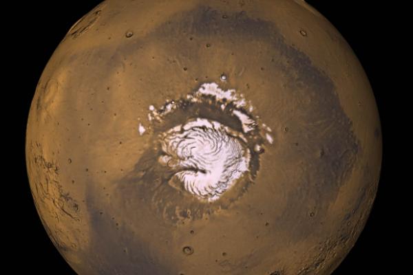 火星的南极冰尘下方 可能存在液态水湖泊